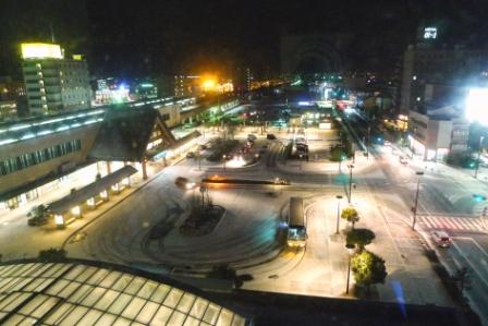 2011_0129_204545-出雲駅前雪のロータリー.jpg